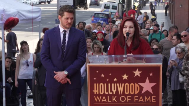 priscilla presley at michael bublé star on the hollywood walk of fame in los angeles, ca 11/16/18 - プリシラ プレスリー点の映像素材/bロール