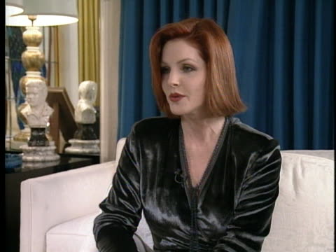 priscilla presley discusses her memories of graceland during an interview in 1994. - プリシラ プレスリー点の映像素材/bロール