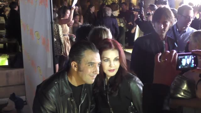 priscilla presley goes to see movie at egyptian theatre in hollywood in celebrity sightings in los angeles, - プリシラ プレスリー点の映像素材/bロール