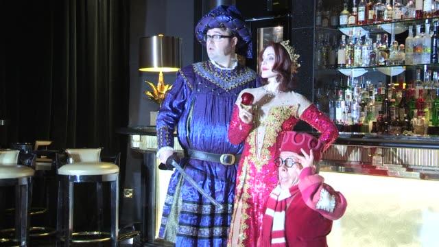 priscilla presley, warwick davis, jarred christmas at the press launch of snow white & the seven dwarfs. priscilla presley, warwick davis, jarred... - プリシラ プレスリー点の映像素材/bロール