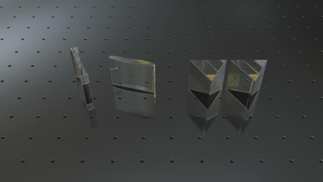 vídeos y material grabado en eventos de stock de prisms and lenses refracting three rays of light. - espectro