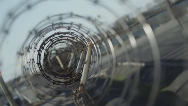 prison barbed wire fence found at jails and correction facilities, mass incarceration in the u.s. - metalltråd bildbanksvideor och videomaterial från bakom kulisserna