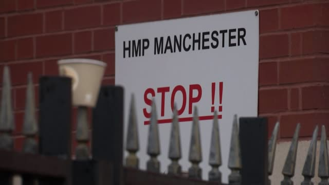 prison officers walk out over increased levels of violence; england: manchester: hm prison manchester: ext various shots prison guards protesting... - hm prison manchester stock videos & royalty-free footage