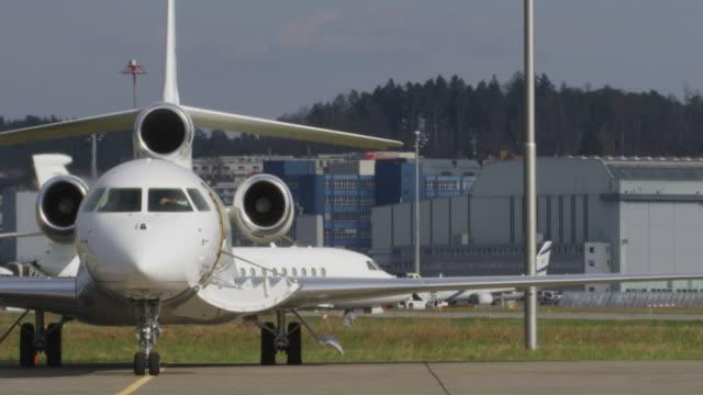 vidéos et rushes de avion privé - avion privé d'entreprise