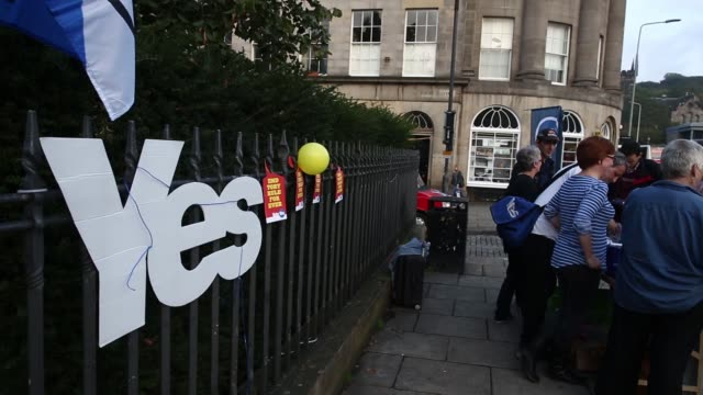 A pro independence Vote Yes campaign sign sits on a roadside in Edinburgh UK on Tuesday Sept 16 Independence supporters gather around a campaign...