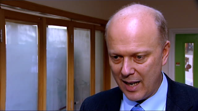 stockvideo's en b-roll-footage met probation service reforms announced by government england london st giles trust int chris grayling mp chatting with probationers and mentors at... - probatie