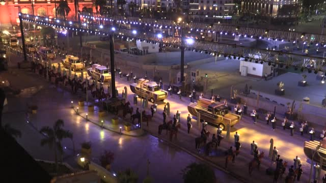 EGY: 'Golden Parade' carries pharaohs to new home in Egyptian capital