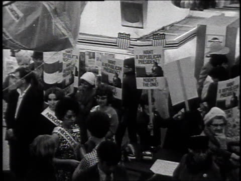 vidéos et rushes de processions and nixon supporters on election day / laconia, new hampshire, united states - eugene j. mccarthy