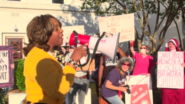 pro-choice protesters in alabama taking part in a demonstration led by democrat merika coleman from the alabama house of representatives - democratic party usa stock videos & royalty-free footage