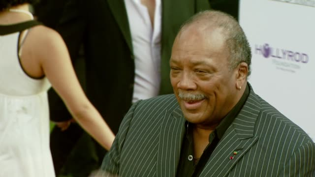 producersongwriter quincy jones at the designcare 2007 at the home of tammy and eric gustavson in malibu california on july 22 2007 - quincy jones stock videos & royalty-free footage