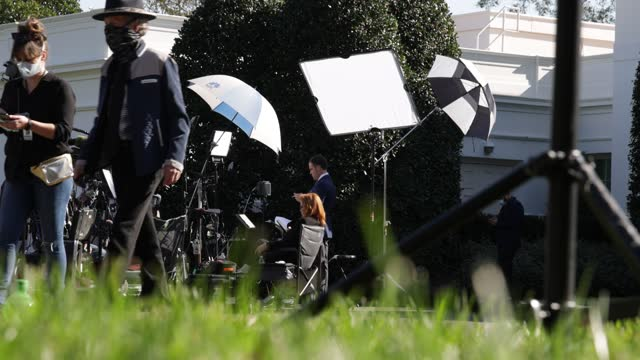 production crew of showtime's political show the circus works on the ground of the white house november 6, 2020 in washington, dc. the nation awaits... - showtime video stock e b–roll