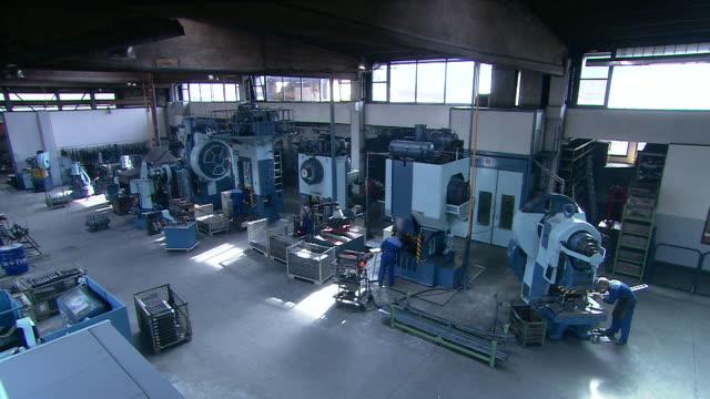 production hall, forge - artigiano video stock e b–roll