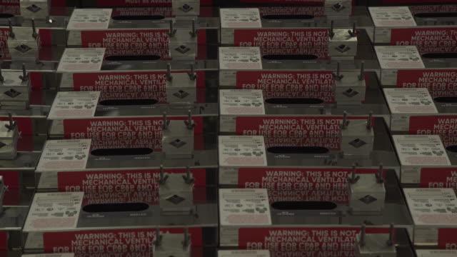 vídeos y material grabado en eventos de stock de production line and machine parts at cpap ventilators factory in pretoria, south africa on thursday, august 27 2020. the south african ventilator... - equipo respiratorio