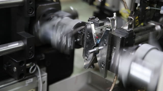 vídeos de stock e filmes b-roll de production line at the blendtec factory in orem utah us on friday september 27 2019 - orem