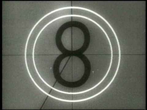 stockvideo's en b-roll-footage met professional film countdown leader (1950s /1960s era) - number 8