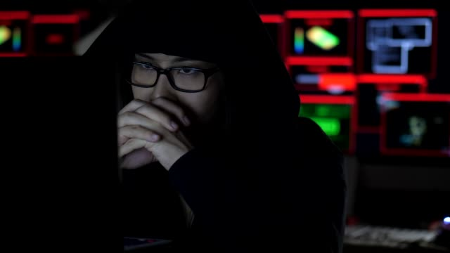 vídeos de stock, filmes e b-roll de trabalho profissional do hacker - deep web