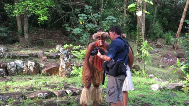 professional travel photographer photo shoot session of a young pacific islander couple in rarotonga cook islands - pacific islander stock videos & royalty-free footage