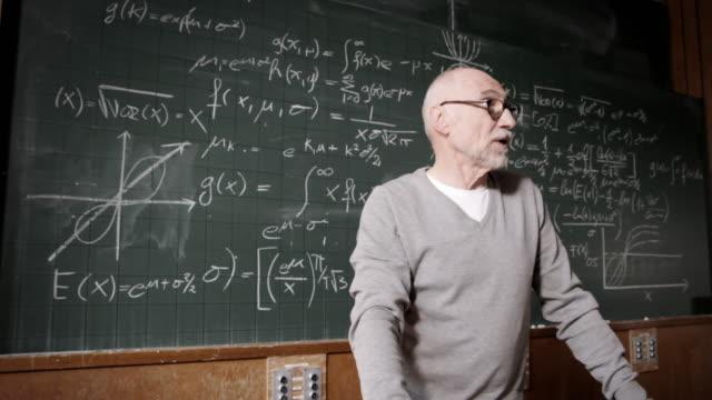 professor talking to students - professor stock videos & royalty-free footage