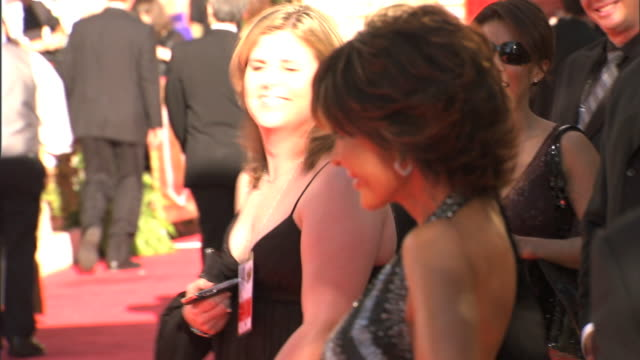 profile MCU ZO MS Lisa Rinna posing seductively for paparazzi