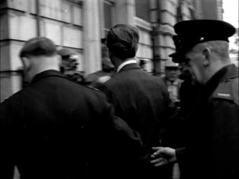 stephen ward trial england london marylebone court ext 2 shots ms police van outside court stephen ward into court wearing dark glasses 33 devonshire... - mandy rice davies stock videos & royalty-free footage