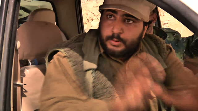 ProGaddafi forces have pushed rebels back from the key oil town of Ras Lanuf It's a dramatic reversal of fortunes for the opposition fighters despite...