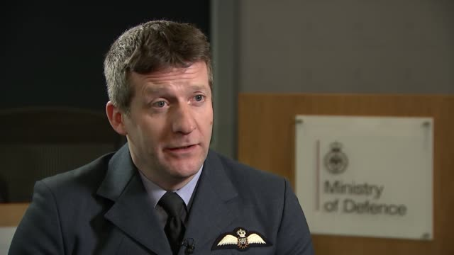 Progovernment forces recapture Deir elZour from Islamic State fighters ENGLAND London INT Air Commodore Johnny Stringer interview SOT re Russian...