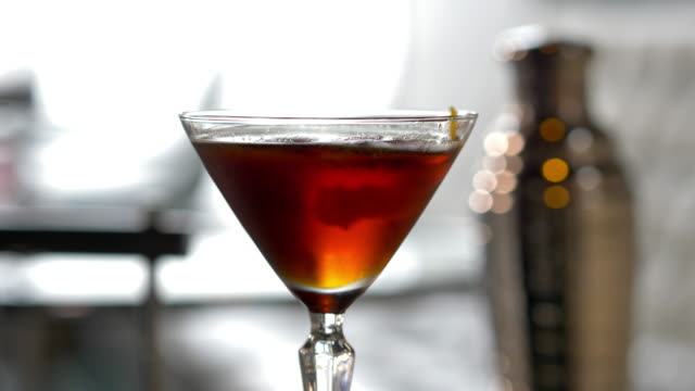 Prohibition Style Mixed Drink Cocktail