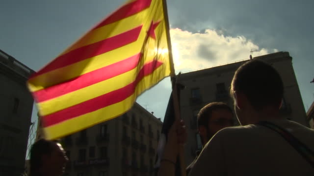 Proindependence supporters outside the Catalonia government building in hope that Carles Puigdemont will decare independence from Spain