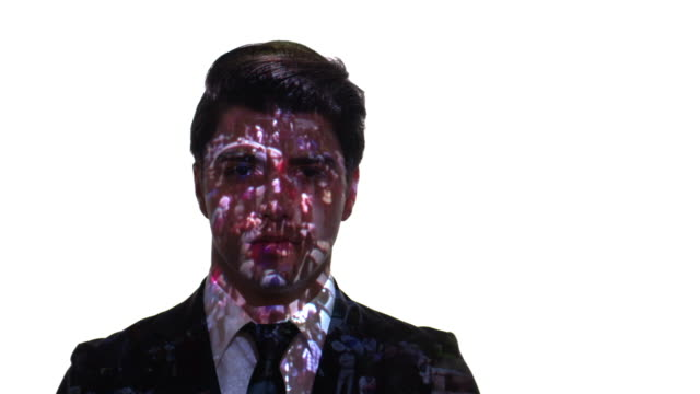 projektion der menschenmenge zeitraffer auf ein geschäftsmann gesicht - projektion stock-videos und b-roll-filmmaterial