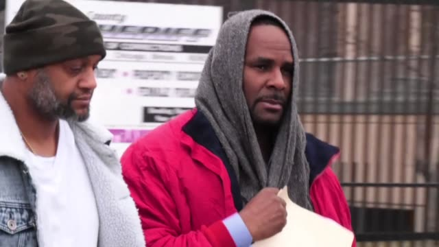 promise you we're going to straighten all this stuff out says r. kelly as he walks out of a chicago jail after his bail was paid by a third party - r. kelly stock videos & royalty-free footage