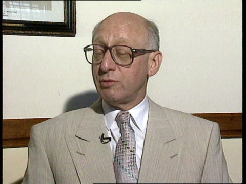 proposal to move 'news at ten' to earlier transmission time political reaction int gerald kaufman mp interview sot itv may go quiet for a while hope... - itv news at ten stock videos & royalty-free footage