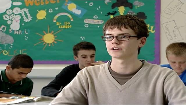 vídeos y material grabado en eventos de stock de proposals to raise compulsory school leaving age to 18; guy withers interview sot - on his plans for 16 plus education - sumar