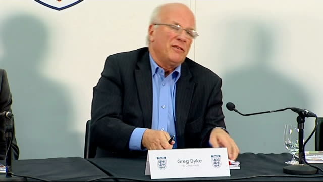 stockvideo's en b-roll-footage met proposes radical restructure of english football; england: london: int greg dyke press conference sot - liverpool, manchester clubs, stoke, tottenham... - english football association