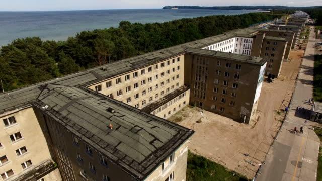 vidéos et rushes de prora, once a nazi-era ruin, now under development - kraft