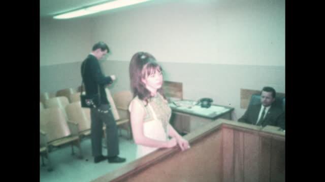prostitute appearing before night nourt nudge - 売春者点の映像素材/bロール