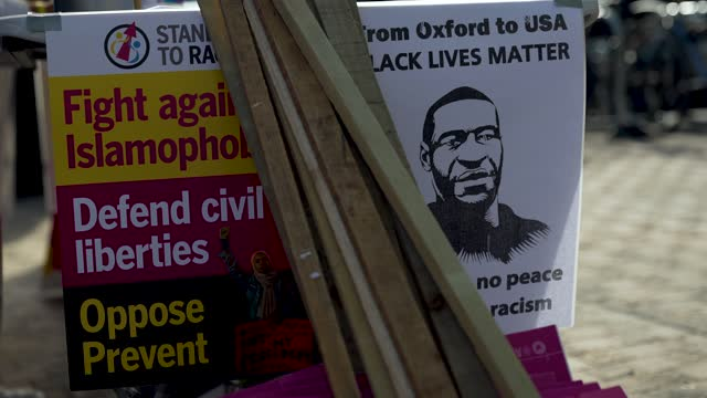 protest banners along side an image of george floyd at oxford university on may 25, 2021 in oxford, england. today marked the first anniversary of... - side view stock videos & royalty-free footage