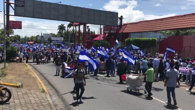protest in managua, nicaragua august 15, starting in rotonda cristo rey. students, pensioners demanding that daniel ortega step down, that killings... - managua stock videos & royalty-free footage
