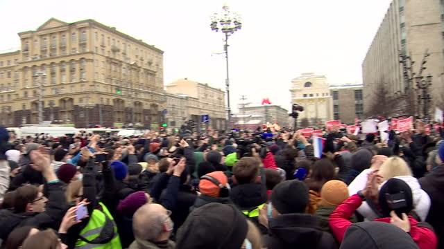 protest in moscow, over the detention of the main opposition leader alexei navalny - protestor stock videos & royalty-free footage