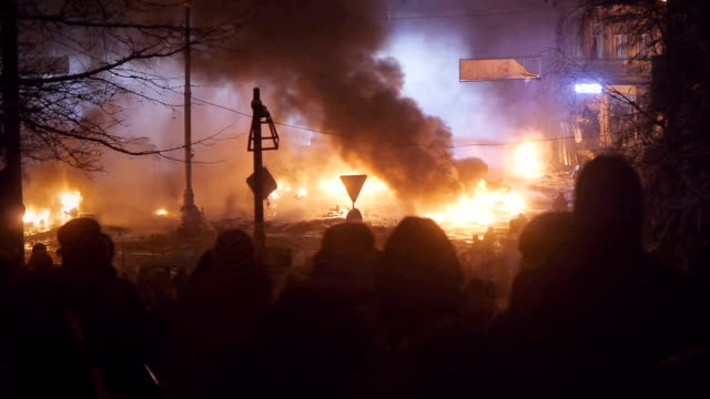 protesters burn tyres in kiev, january 2014 - chaos stock videos & royalty-free footage