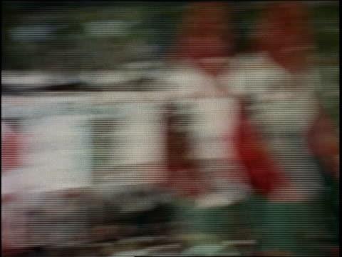 vídeos de stock e filmes b-roll de protesters from communist party demonstrating / dominican republic - rasto de movimento