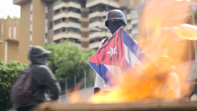 protesters have told sky news venezuela is heading for civil war as tensions build ahead of a controversial vote to rewrite the constitution... - venezuela stock videos & royalty-free footage