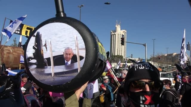 ISR: Protest Demanding Inquiry Into Submarine Affair In Jerusalem
