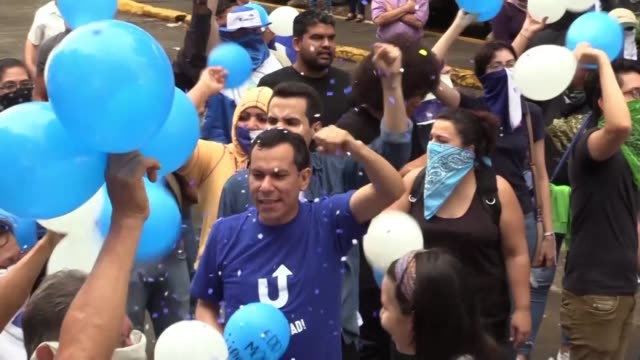 protesters in managua demonstrate against nicaraguan president daniel ortega as tensions between the country's government and opposition continue - managua stock videos & royalty-free footage