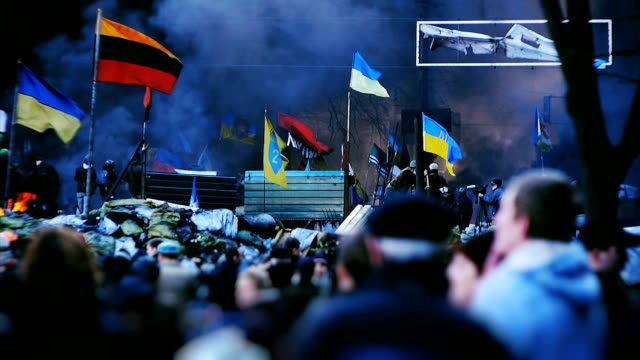 protesters on barricades in kiev - euromaidan - rebellion stock videos & royalty-free footage