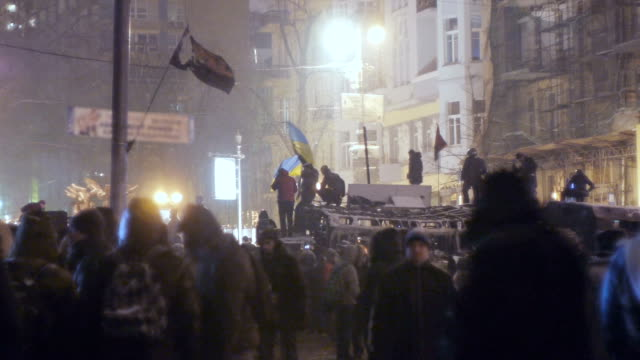protesters on grushevskogo street in kiev, january 2014 - ukraine stock videos & royalty-free footage