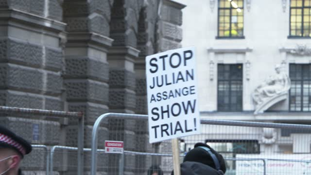 protesters outside the old bailey on january 04, 2021 in london, england. district judge vanessa baraitser has denied the extradition of julian... - crime or recreational drug or prison or legal trial stock videos & royalty-free footage