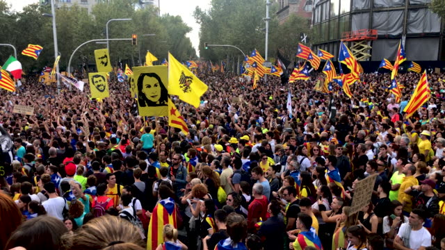 protesters take to the streets to demonstrate after the spanish supreme court sentenced nine catalan separatist leaders to between 9 and 13 years in... - sentencing stock videos & royalty-free footage