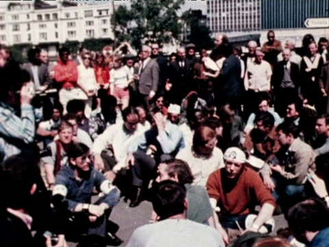 protestors gather at antiwar demonstration at speakers corner 1971 - hyde park london stock videos & royalty-free footage