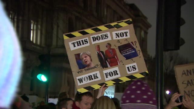 vídeos y material grabado en eventos de stock de protests in westminster over the planned state visit of donald trump to the uk after the us travel ban on seven muslim countries - visita de estado