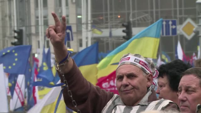 ProWest Ukrainians on Sunday staged the biggest protest rally in Kiev since the 2004 Orange Revolution demanding that the government sign a key pact...